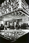 Wings of the Hawk, 42nd Street, New York, Etats-Unis, 1955